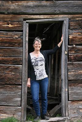 Eriksson, Ann cabin doorway