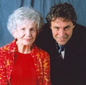 Twigg-&-Alice-Munro-2005