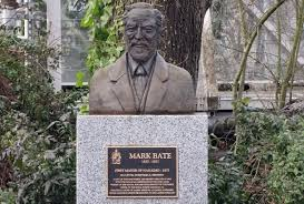 Contemporary statue honouring pioneer mayor Mark Bate