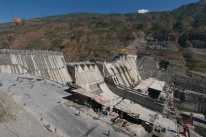 megadam-under-construction-upper Yangtse-20kmSE-of-Lijiang