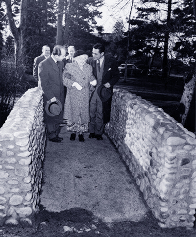 Valerie Hennell's father Valentine Hennell (at right) escorts Alice Carr to the bridge in 1945, along with Victoria artist Jan Zach, for the official dedication ceremony for the bridge on February 10, 1953.