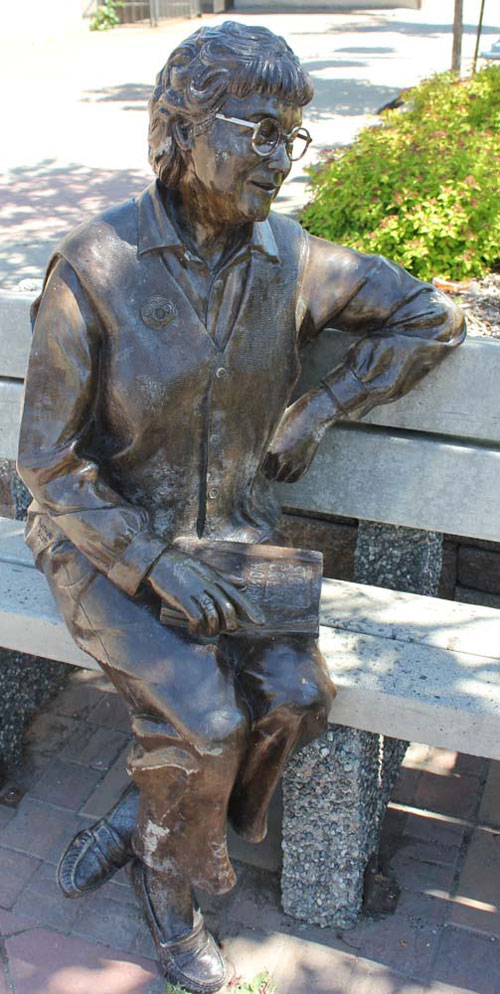 Bridget Moran (1923-1999) sculpture by artist Nathan Scott. Located at 3rd Avenue and Quebec Street downtown Prince George.