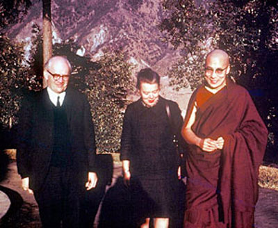 George and Ingebord Woodcock with with the Dalai-Lama.