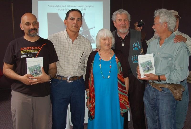 ridington-robin-book-launch-with-david-suzuki-crop