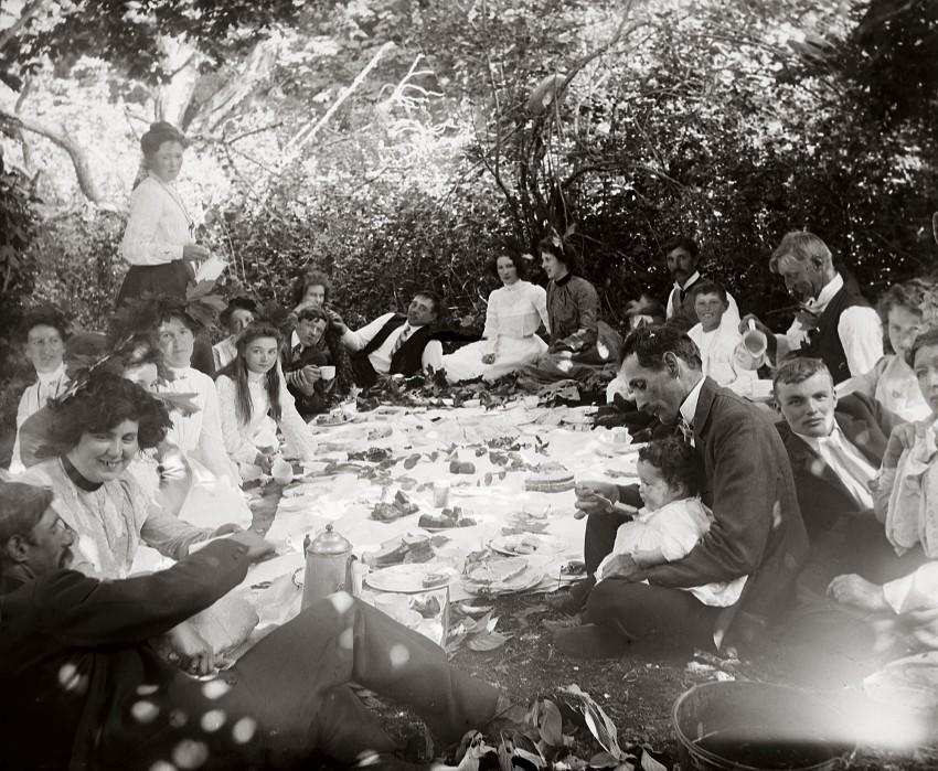 little-river-picnic_cmyk