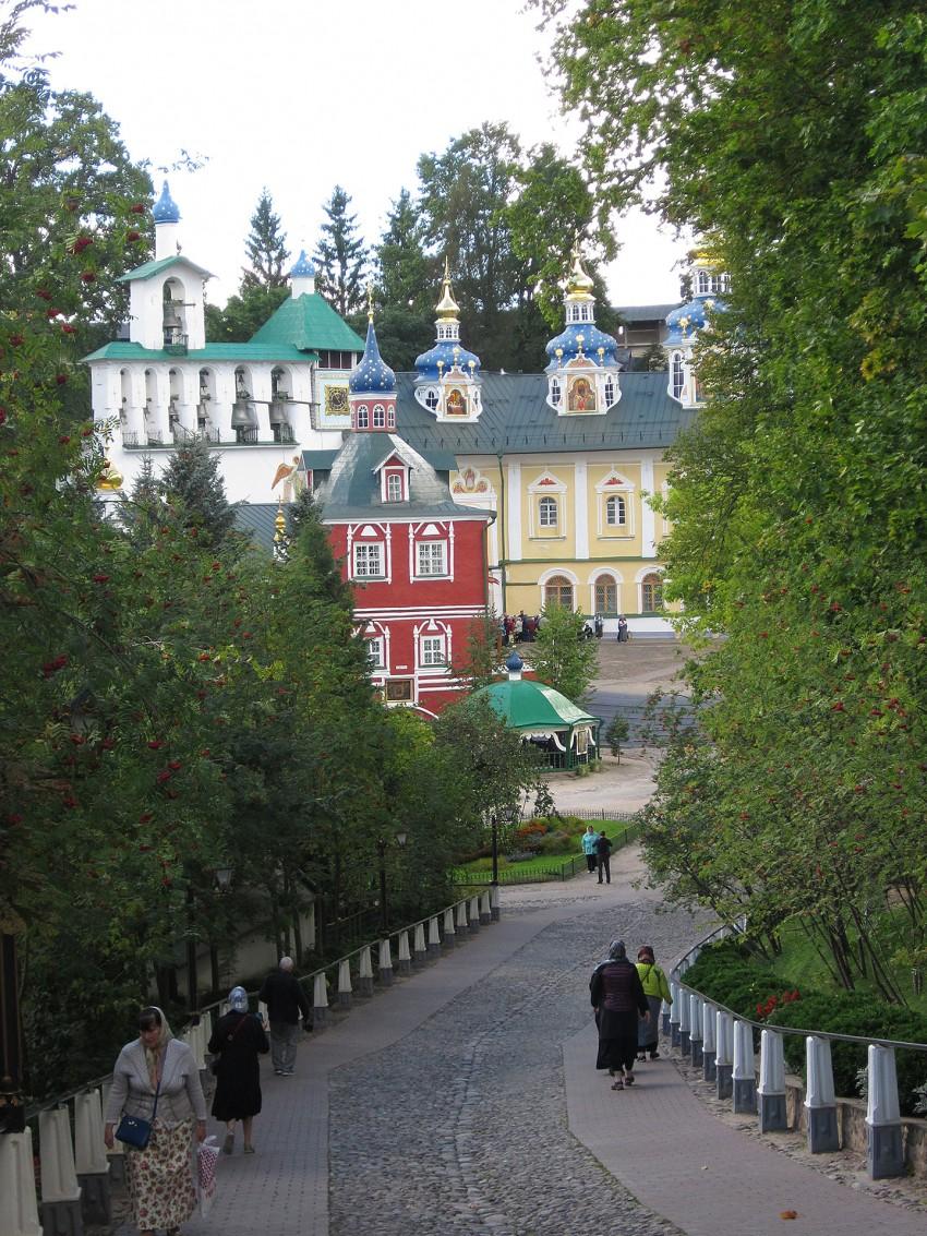 pskov-pechery-monastery
