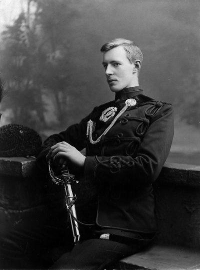 taylor-4-bowen-colthurst-as-a-second-lieutenant1899